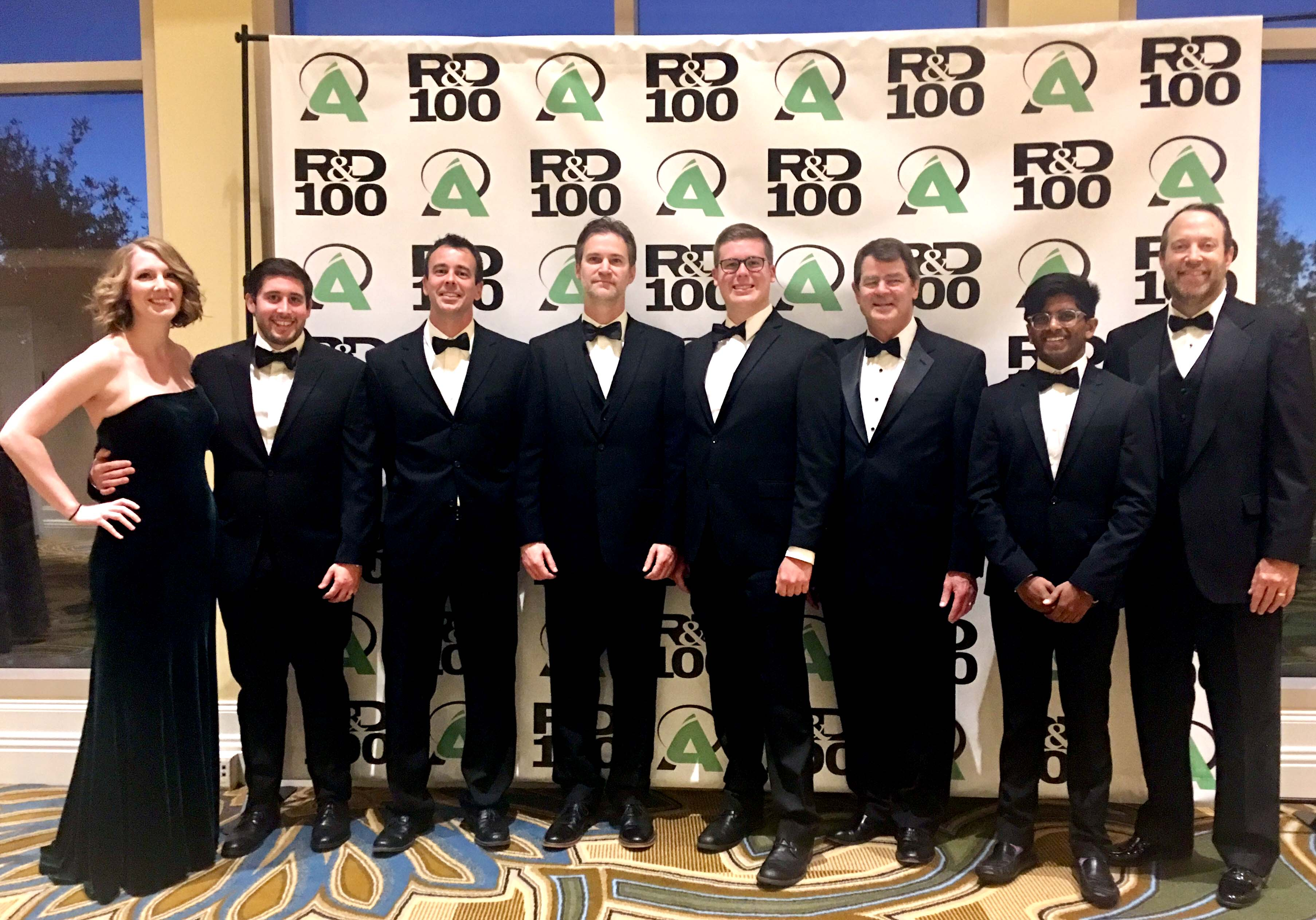 ThreatSEQ team receiving R&D 100 Award